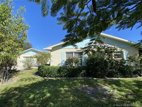 Photo of 9015 SE Athena St, Hobe Sound, FL 33455 (MLS # A10965258)