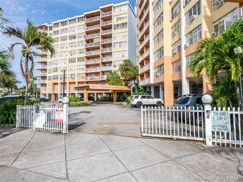 Foto de inmueble con direccion 2025 NE 164th St #416 North Miami Beach FL 33162 con MLS A10931259