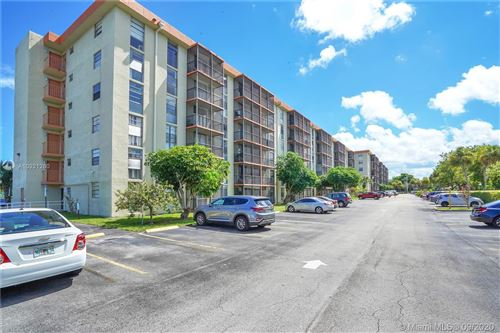 Photo of 16950 W Dixie Hwy #B541, North Miami Beach, FL 33160 (MLS # A10921260)