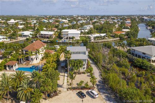 Foto de inmueble con direccion 705 Sombrero Beach Rd A, B, C, D Marathon FL 33050 con MLS A10872261
