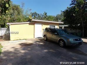 Foto de inmueble con direccion 1053 NE 149th St Miami FL 33161 con MLS A10823262