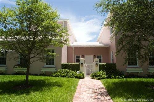 Photo of 586 Loretto Ave #2, Coral Gables, FL 33146 (MLS # A10854262)