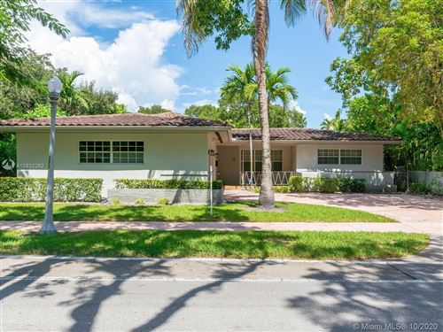 Photo of 611 Alhambra Cir, Coral Gables, FL 33134 (MLS # A10932262)