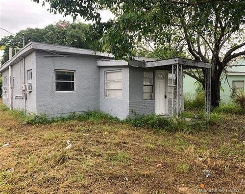 Photo of 1303 N 24th St, Fort Pierce, FL 34950 (MLS # A11004266)