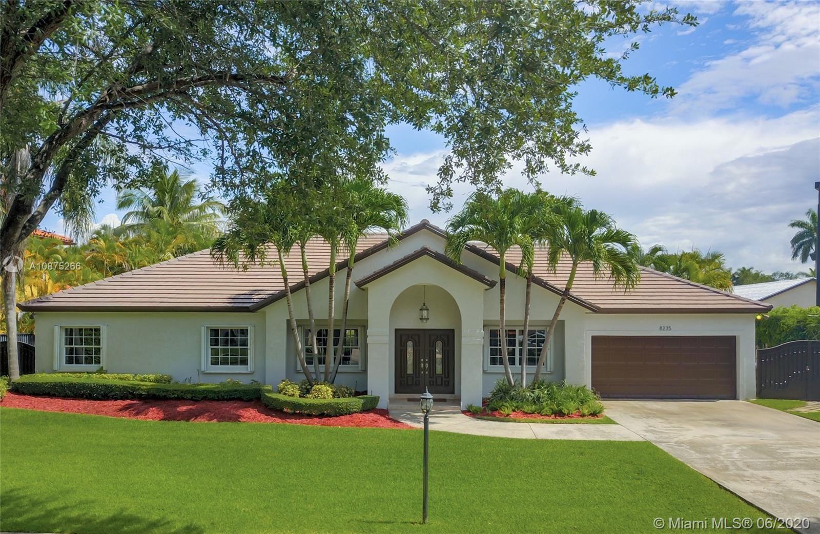 8235 NW 157th Ter, Miami Lakes, FL 33016 - #: A10875266