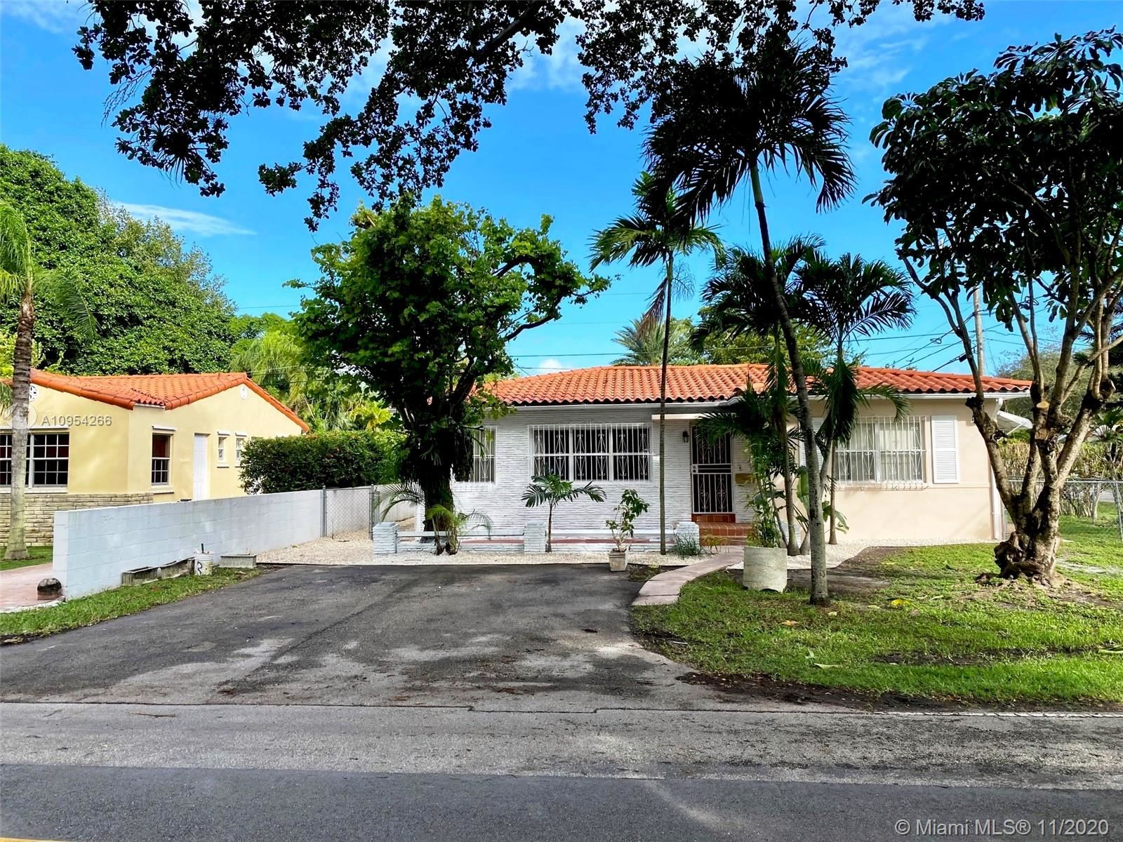 4401 SW 16th St, Miami, FL 33134 - #: A10954266