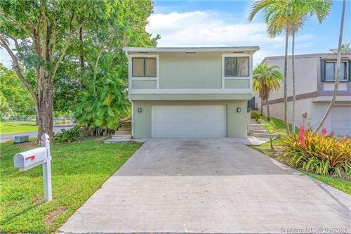 Photo of 21801 SW 98th Pl, Cutler Bay, FL 33190 (MLS # A11090268)