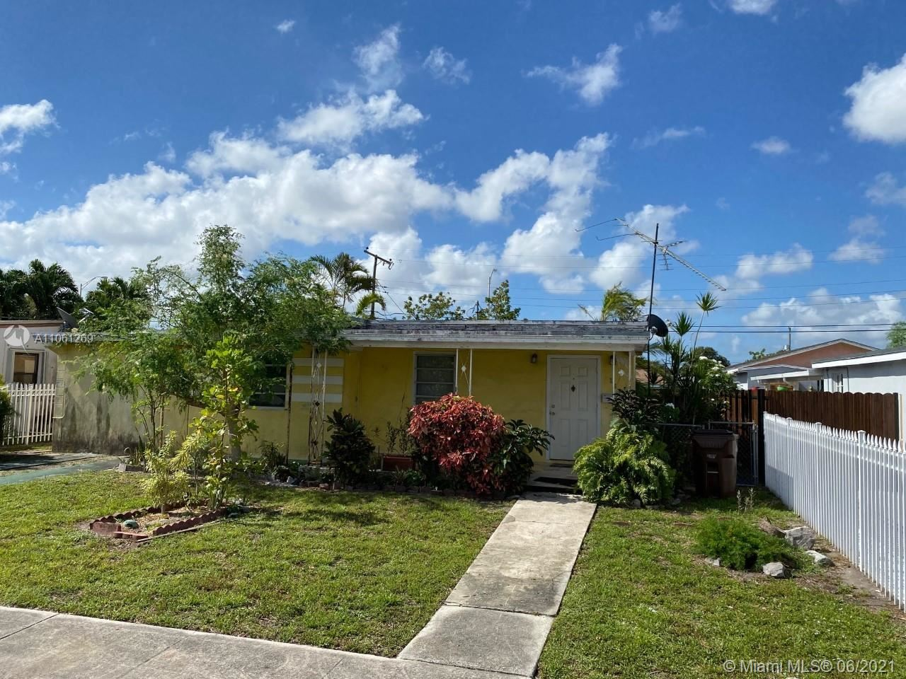 Photo of 266 W 38th St, Hialeah, FL 33012 (MLS # A11061269)