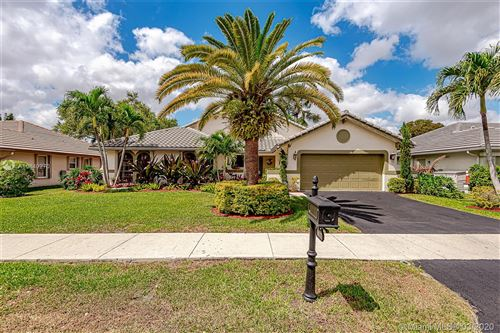Photo of Listing MLS a10840270 in 9617 SW Sugar Pines Ct Davie FL 33328