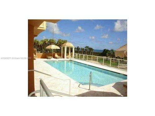 Foto de inmueble con direccion 9499 Collins Ave #204 Surfside FL 33154 con MLS A10808271