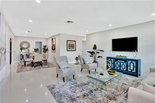 Photo of Listing MLS a10857271 in 751 NW 39th St Oakland Park FL 33309