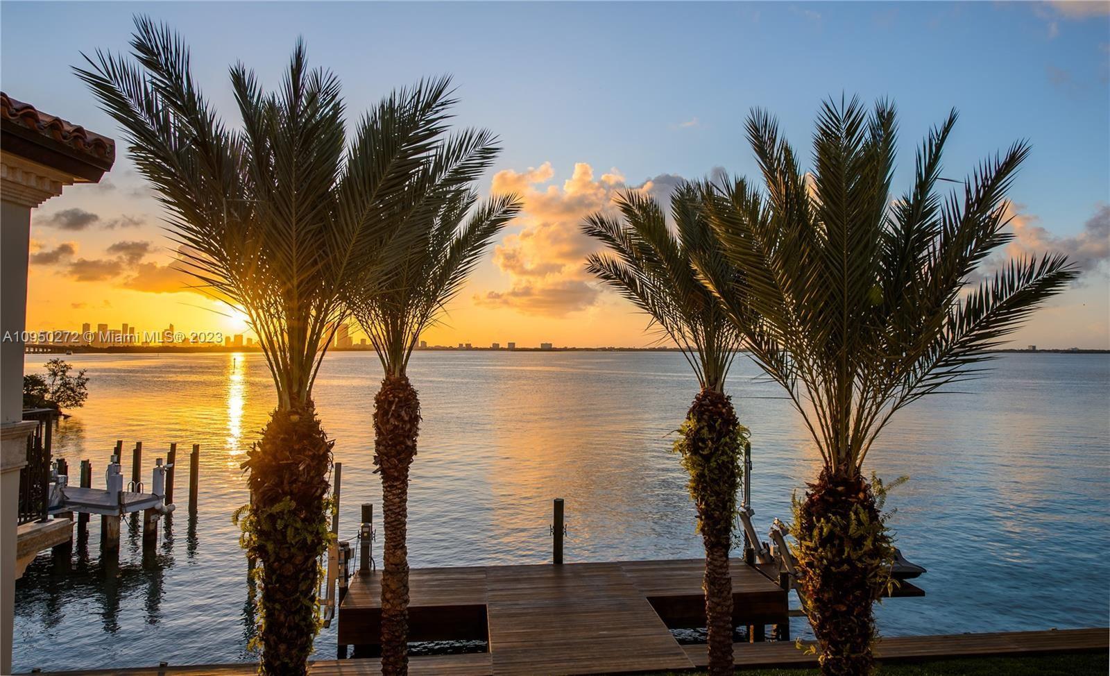 Photo of 4340 N Bay Rd, Miami Beach, FL 33140 (MLS # A10950272)