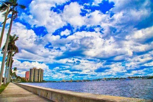 Photo of 1701 S Flagler Dr #309, West Palm Beach, FL 33401 (MLS # A10833273)
