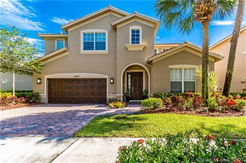 Photo of Listing MLS a10888274 in 19449 S Whitewater Ave Weston FL 33332
