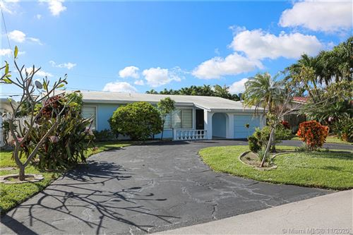 Photo of 234 Avalon Ave, Lauderdale By The Sea, FL 33308 (MLS # A10963274)