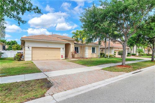 Photo of 6163 SW 191st Ave, Pembroke Pines, FL 33332 (MLS # A11024275)