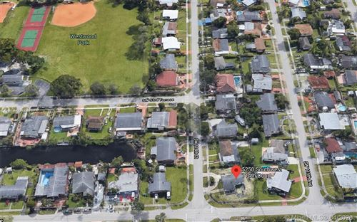 Foto de inmueble con direccion 5250 SW 114th Ct Miami FL 33165 con MLS A10848277