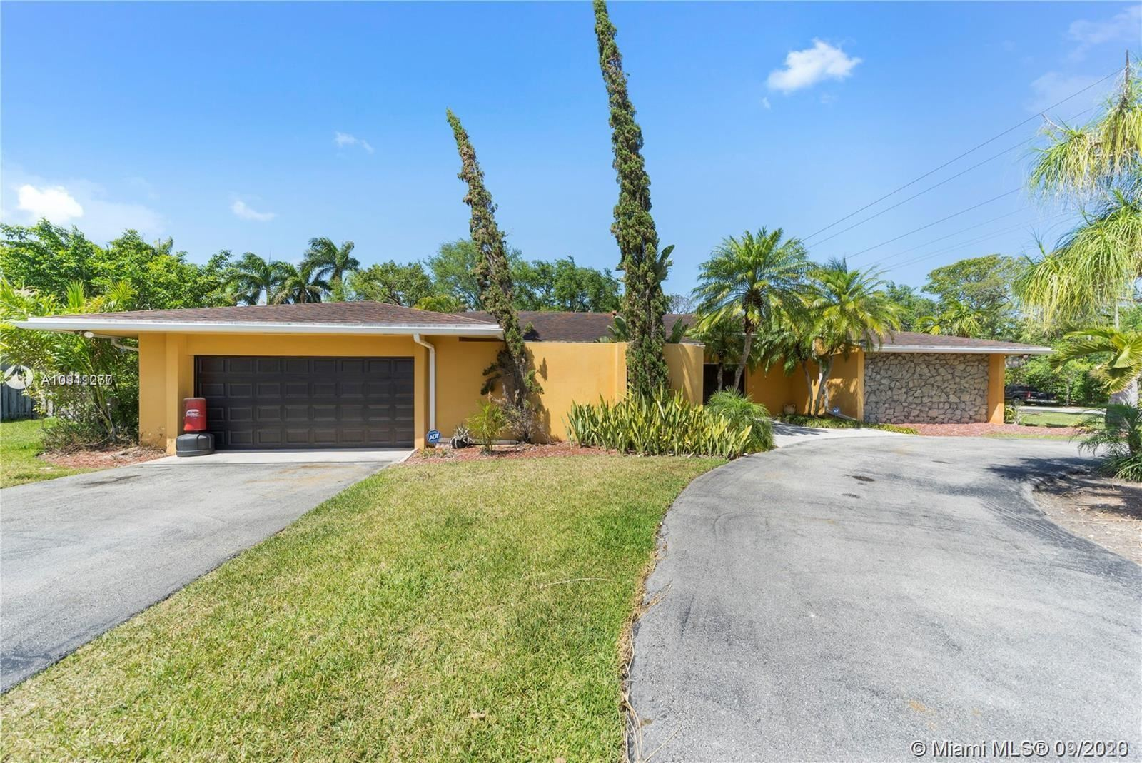 8201 SW 183rd St, Palmetto Bay, FL 33157 - #: A10911277
