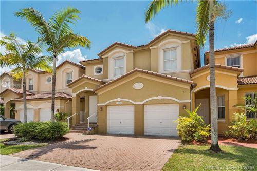 Foto de inmueble con direccion 11254 NW 74 Terrace Doral FL 33178 con MLS A10769278