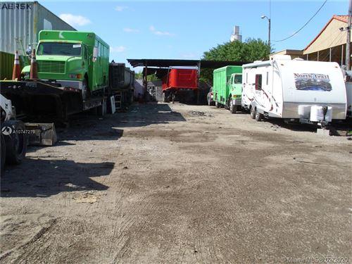 Foto de inmueble con direccion 13030 NW 30 Ave Opa-Locka FL 33054 con MLS A10747279