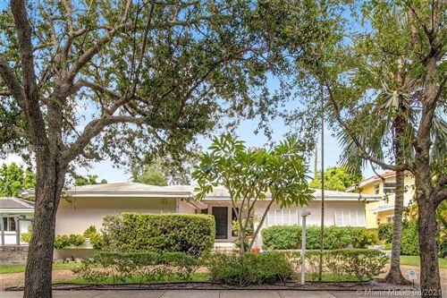 Photo of 33 Shore Dr N, Coconut Grove, FL 33133 (MLS # A11083279)