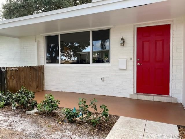 Photo of 8600 NW 11th Ct, Pembroke Pines, FL 33024 (MLS # A10959279)
