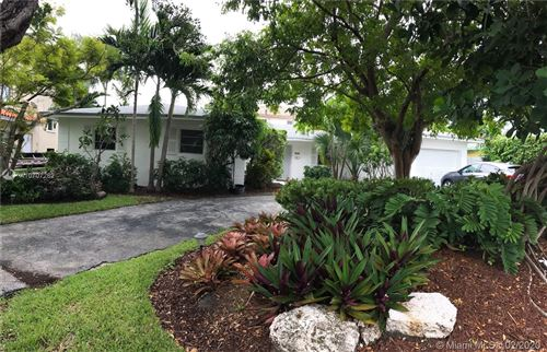 Photo of 216 Buttonwood, Key Biscayne, FL 33149 (MLS # A10707282)
