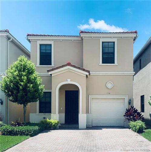 Photo of Listing MLS a10866282 in 754 NE 191st Ter Miami FL 33179