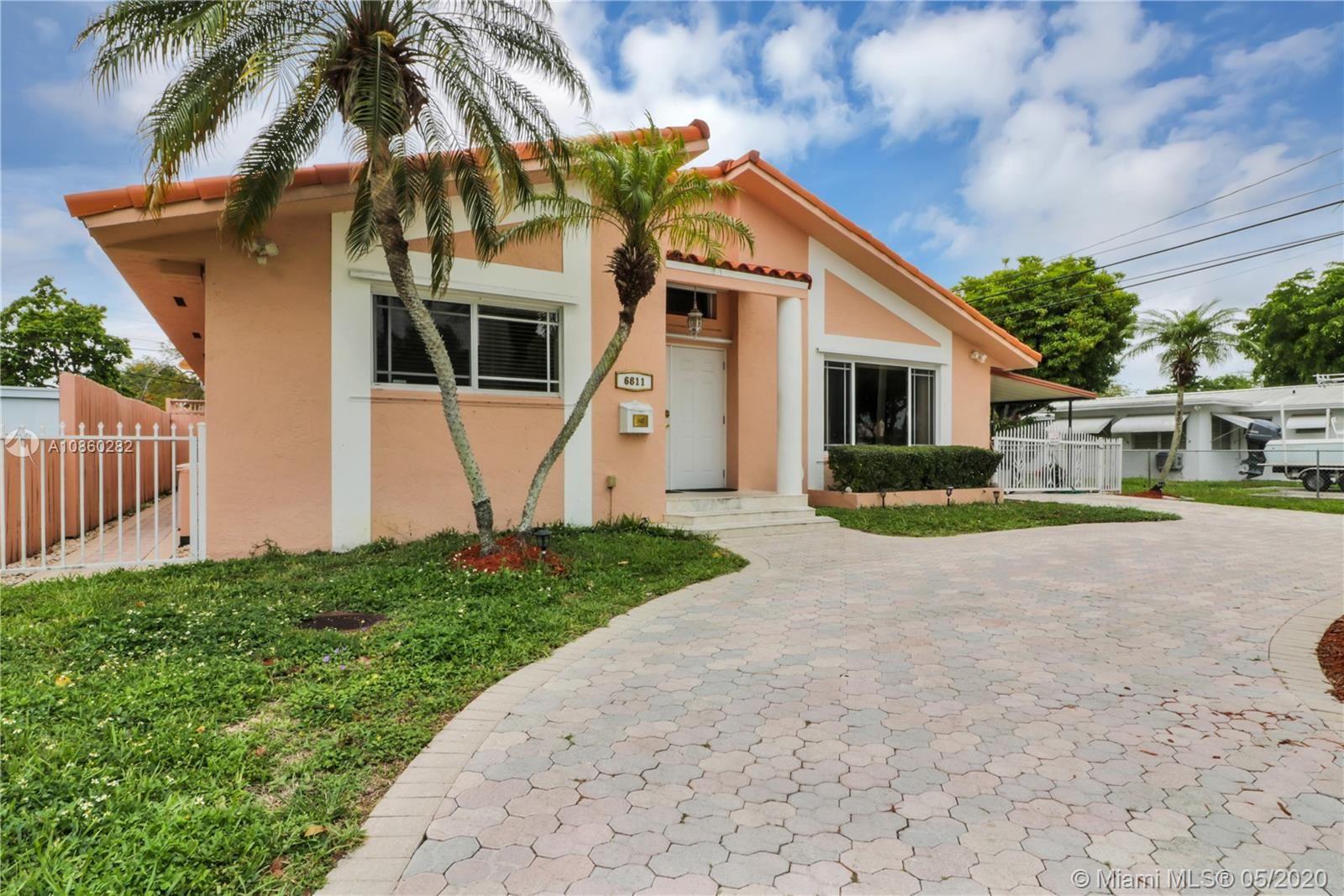 6811 SW 38th St, Miami, FL 33155 - #: A10860282