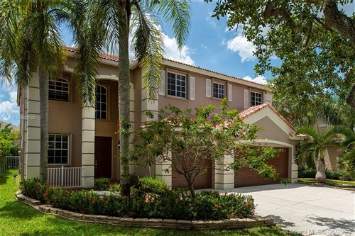 Photo of Listing MLS a10883283 in 4181 Staghorn lane Weston FL 33331