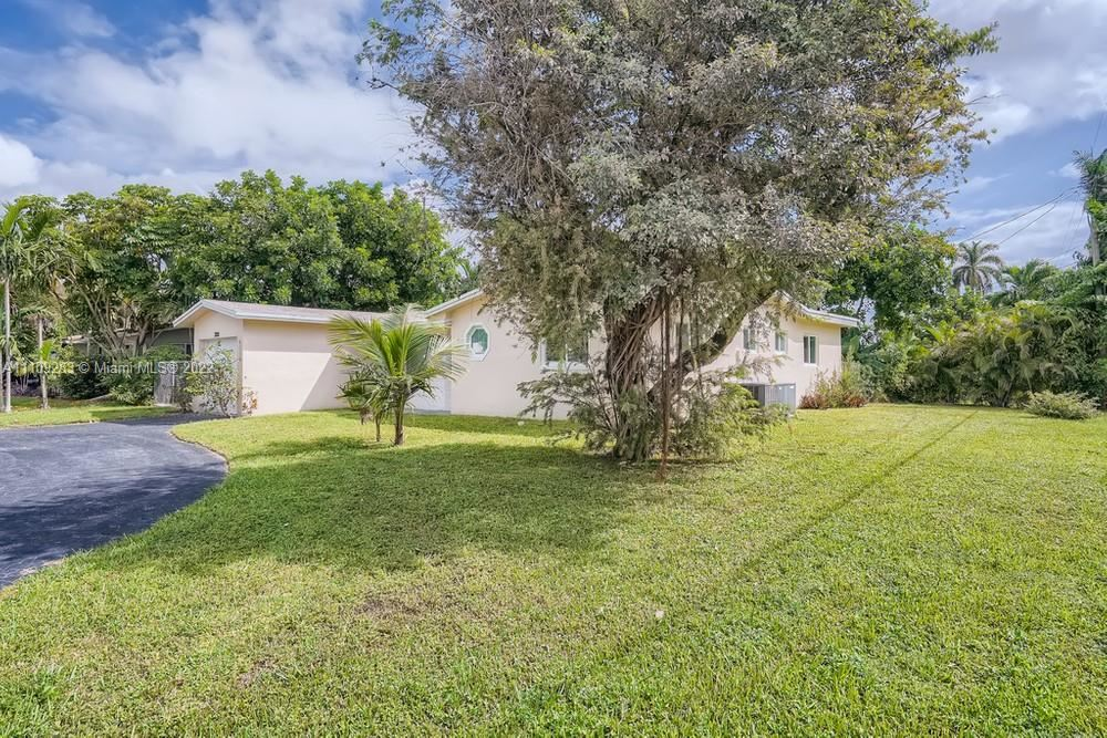 Photo of 3300 NW 21st Avenue, Oakland Park, FL 33309 (MLS # A11109283)