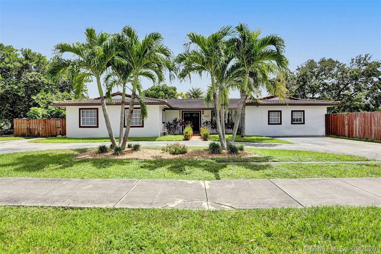 10620 SW 112th St, Miami, FL 33176 - #: A10921284