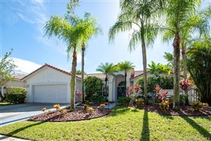 Photo of 1974 S Landing Way, Weston, FL 33326 (MLS # A10571285)