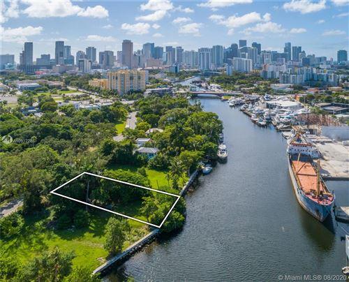 Foto de inmueble con direccion 734 NW North River Dr Miami FL 33136 con MLS A10912286