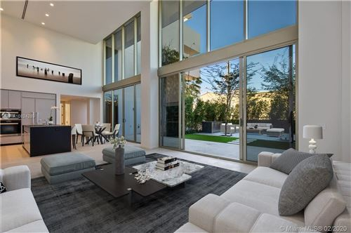 Photo of Listing MLS a10824289 in 300 Collins Ave #2F Miami Beach FL 33139