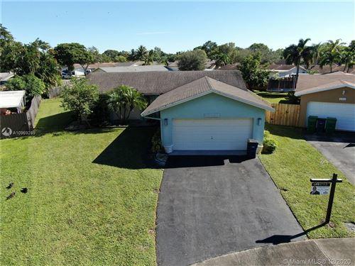 Photo of 10358 SW 50th St, Cooper City, FL 33328 (MLS # A10969289)