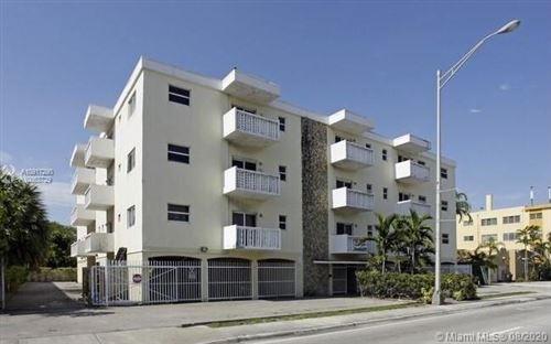 Foto de inmueble con direccion 360 NE 125th St #211 North Miami FL 33161 con MLS A10917290