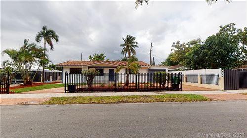 Photo of 10350 SW 30th St, Miami, FL 33165 (MLS # A10962290)