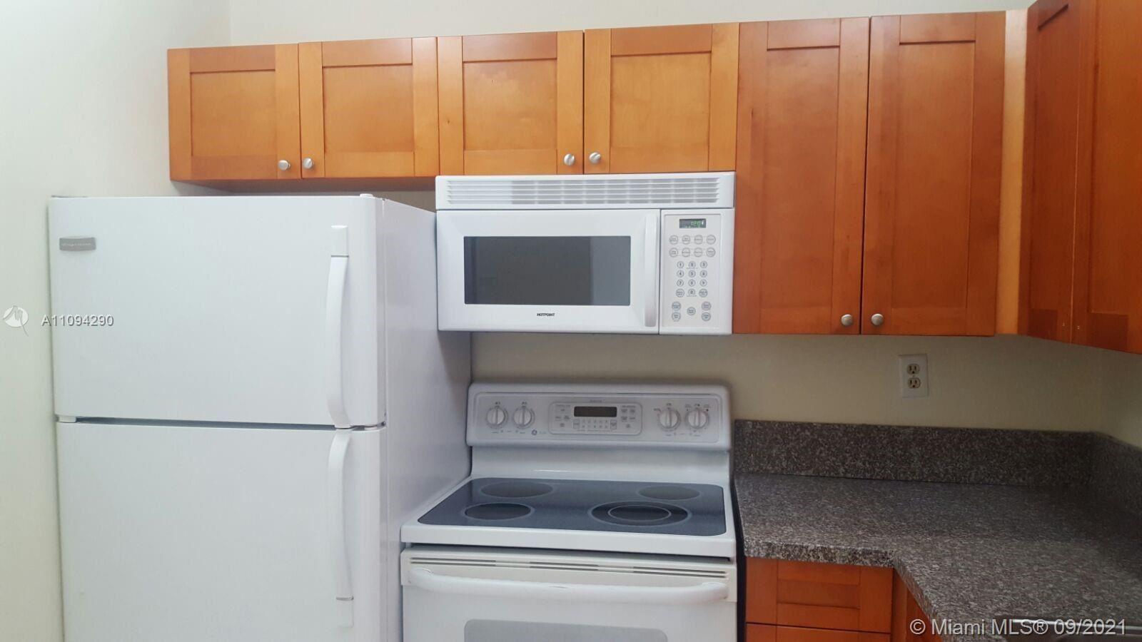 498 NW 165th St Rd #D-302, Miami, FL 33169 - #: A11094290