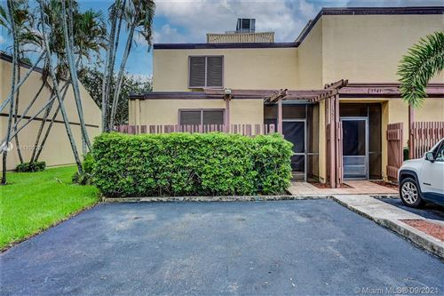 Photo of 1551 W Golfview Dr #1551, Pembroke Pines, FL 33026 (MLS # A11100291)