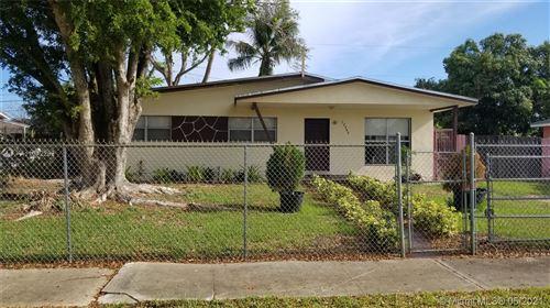 Photo of 12040 SW 186th St, Miami, FL 33177 (MLS # A11042292)