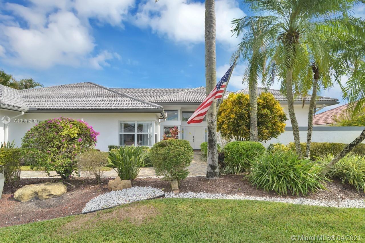 Photo of 11001 Boca Woods Ln, Boca Raton, FL 33428 (MLS # A10963292)