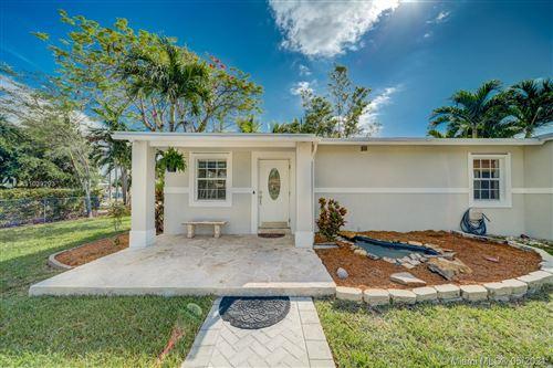 Photo of 5125 SW 99th Ave, Miami, FL 33165 (MLS # A11039293)
