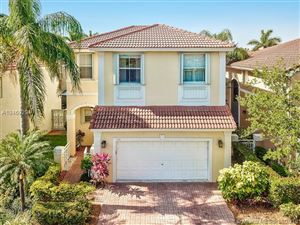 Photo of 1104 redwood, Hollywood, FL 33019 (MLS # A10460294)