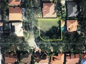 Photo of Listing MLS a10760294 in 16721 NW 81st Ave Miami Lakes FL 33016