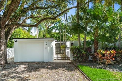 Photo of Listing MLS a10872294 in 5013 SW 76th St Miami FL 33143