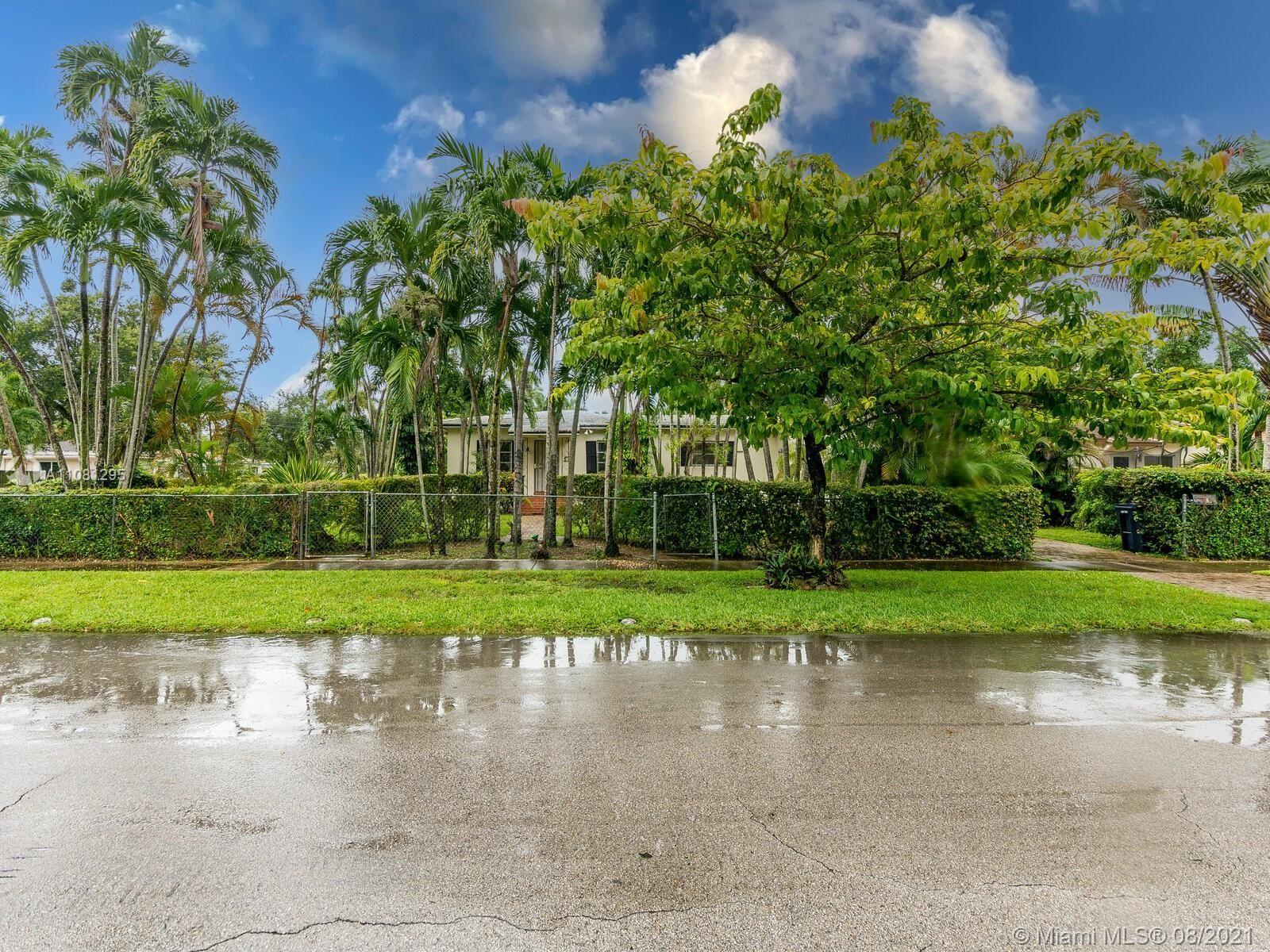 380 Morningside Dr, Miami Springs, FL 33166 - #: A11081295