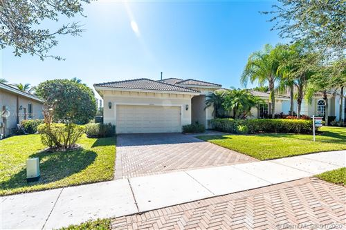 Photo of Listing MLS a10807296 in 19202 SW 65th St Pembroke Pines FL 33332