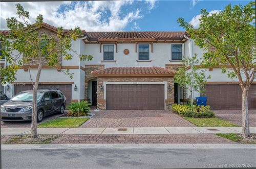 Photo of Listing MLS a10815296 in 4264 SW 166th Ct #4264 Miami FL 33185