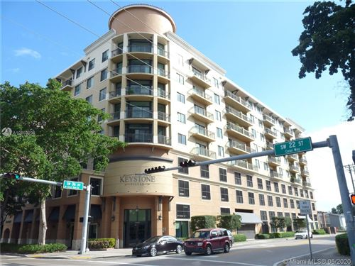 Photo of Listing MLS a10853298 in 3590 Coral Way #903 Miami FL 33145
